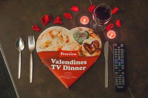 Cena y tele para el desamor